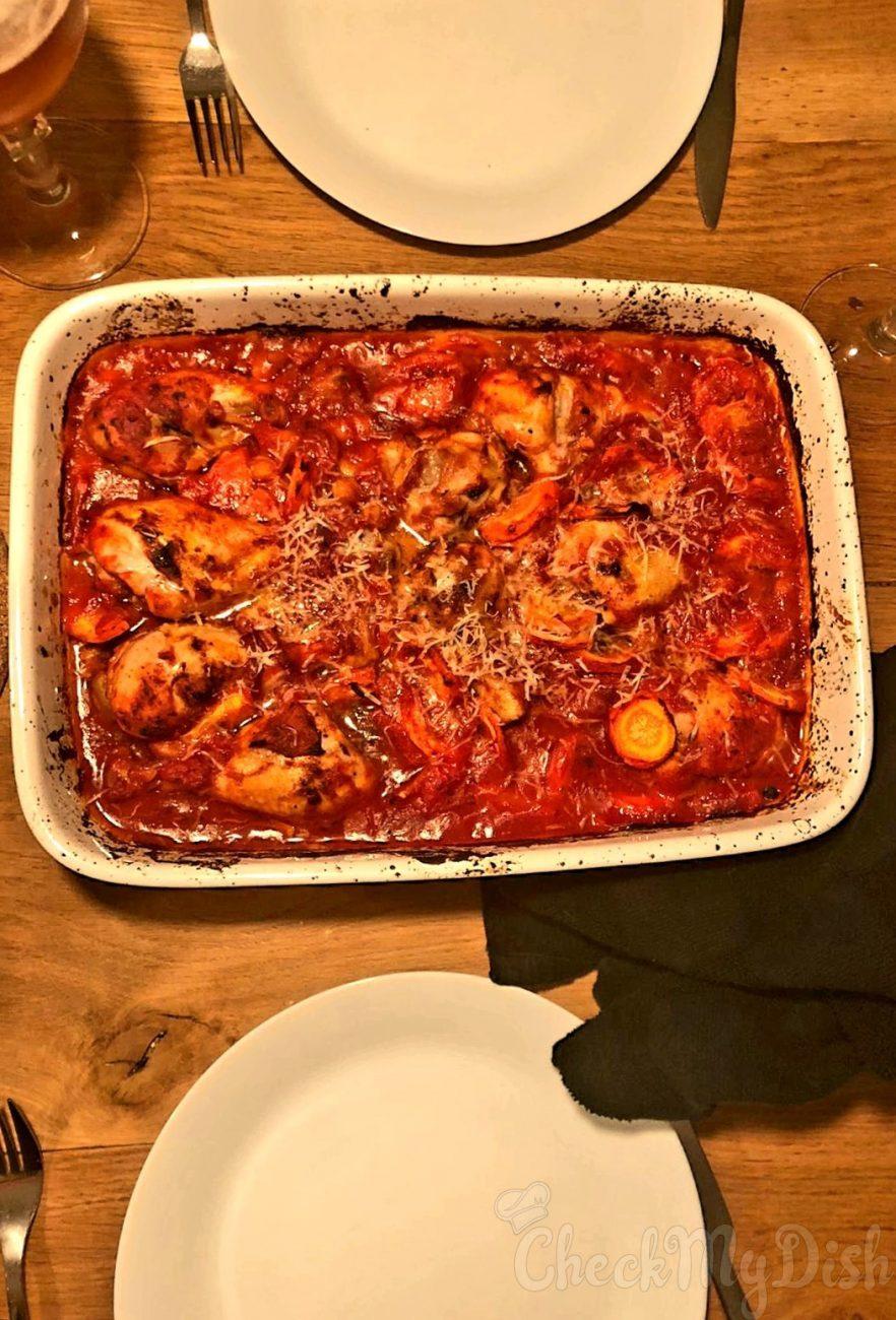 Kippenpoten in tomatensaus
