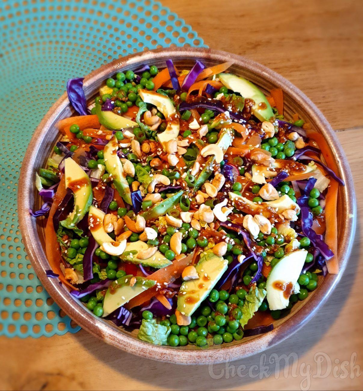 Thaise salade Rode kool en cashewnoten