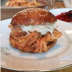 Broodje pulled chicken met homemade brioche
