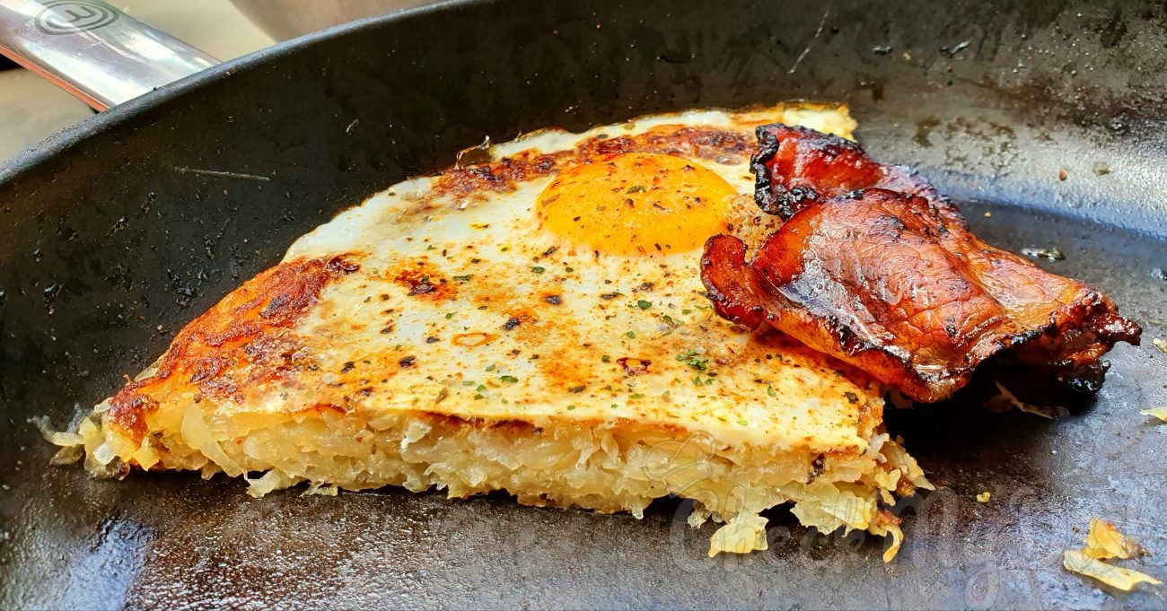 Hash Browns met bacon en ei