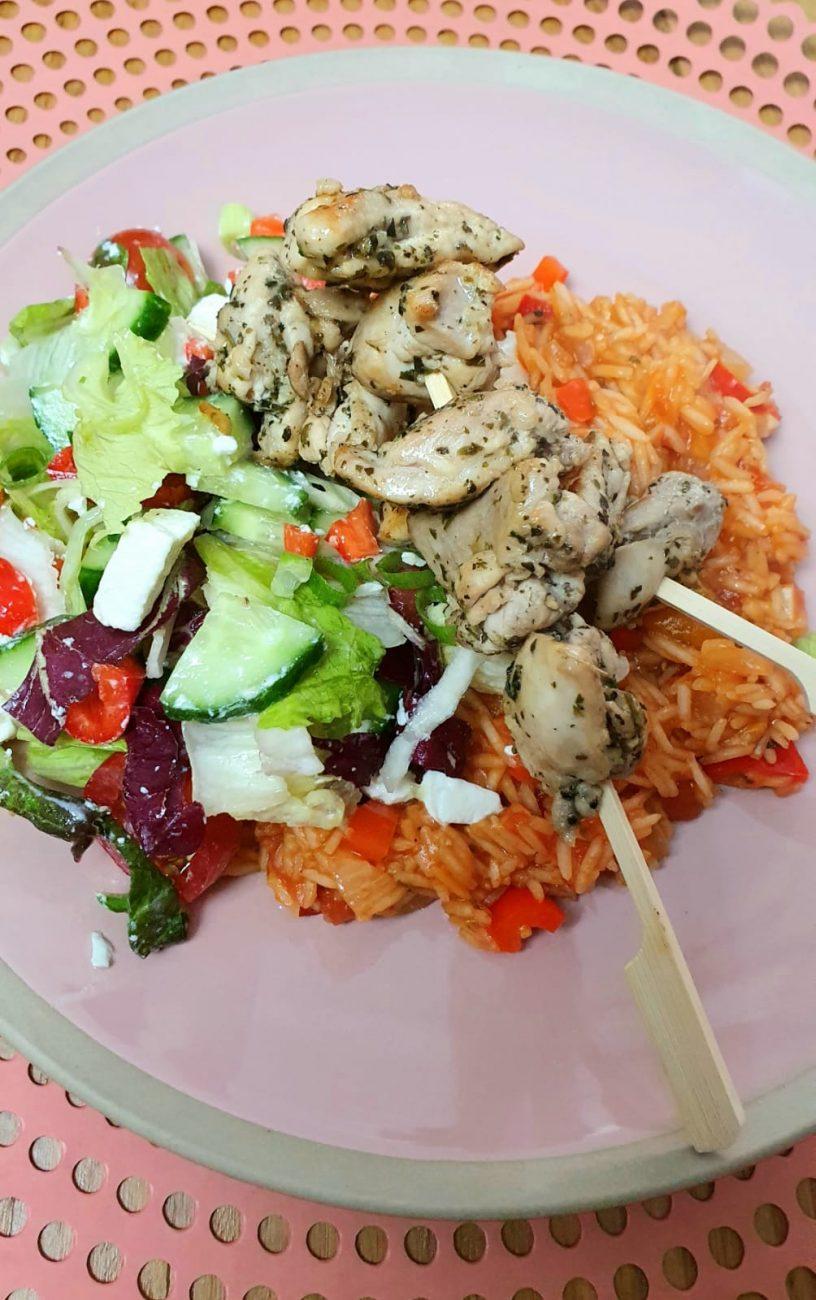 Kip souvlaki met groenten rijst